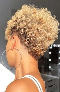 natural hair blonde curly
