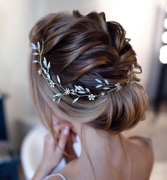 French Braid Wedding Hairstyles: Stunning Bridal Hairstyles To Try In 2019