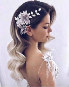 Old Hollywood Waves with Pretty Flowers