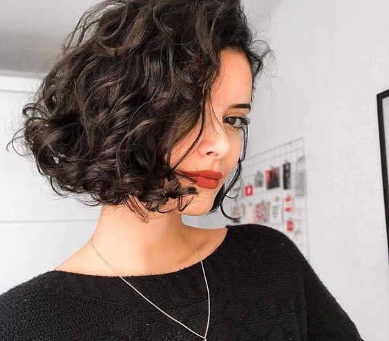 Best Short Curly Hairstyles You\'ll Fall In love With