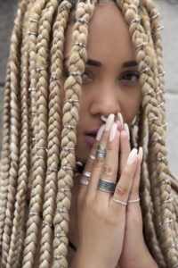 Box braids with hair rings