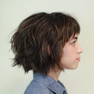Pageboy with Wavy Lengths