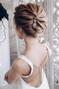 chic hair twis with pearl pins