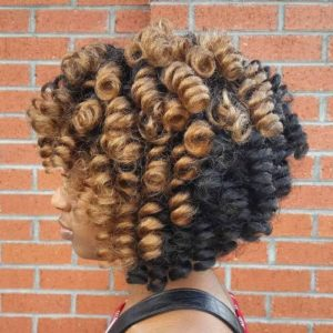 Large and defined short crochet curls