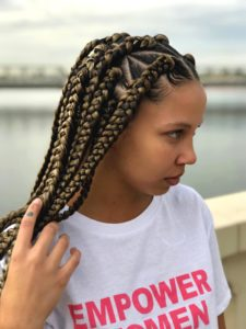 Triangles and axis box braids