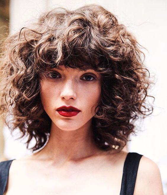 35 Pretty Collarbone Length Haircuts