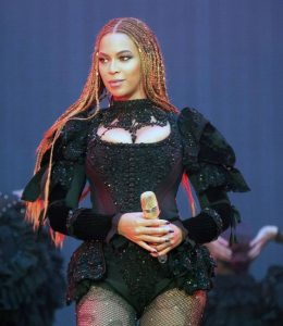 beyonce centered braids