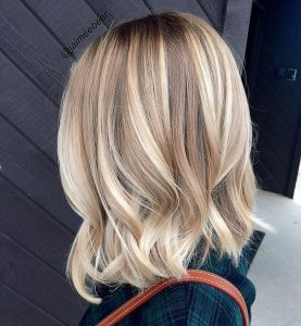 simple blonde highlight