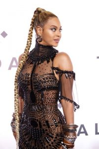 beyonce red carpet braids
