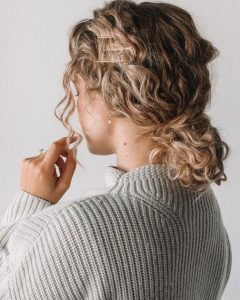 curly bun pins