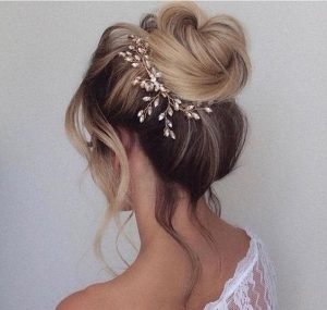 loose bun bride accessorized
