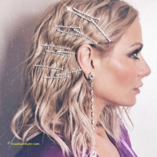dorit pinned hair