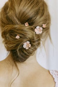pink flowers bun bride