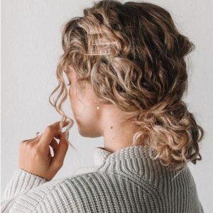 bobby pin curly bun